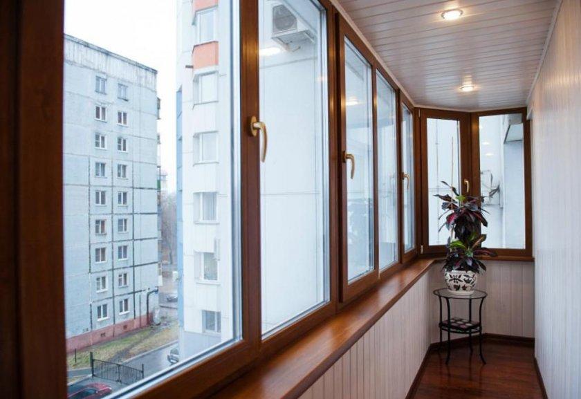 Этапы процесса остекления балкона пластиковыми окнами